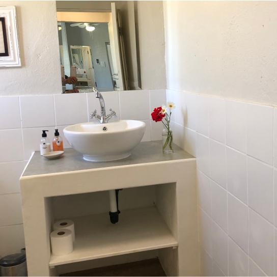 Klein Eikeboom Cottage Lillie Bathroom