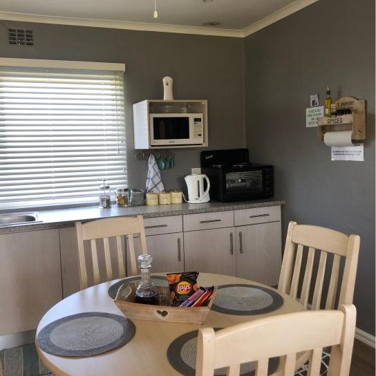 Klein Eikeboom Cottage Lillie Kitchen